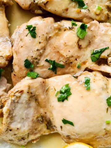Close up of juicy lemon chicken thighs